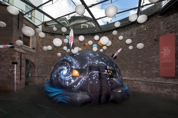 Het planetarium op het Terreplein van Sonnenborgh