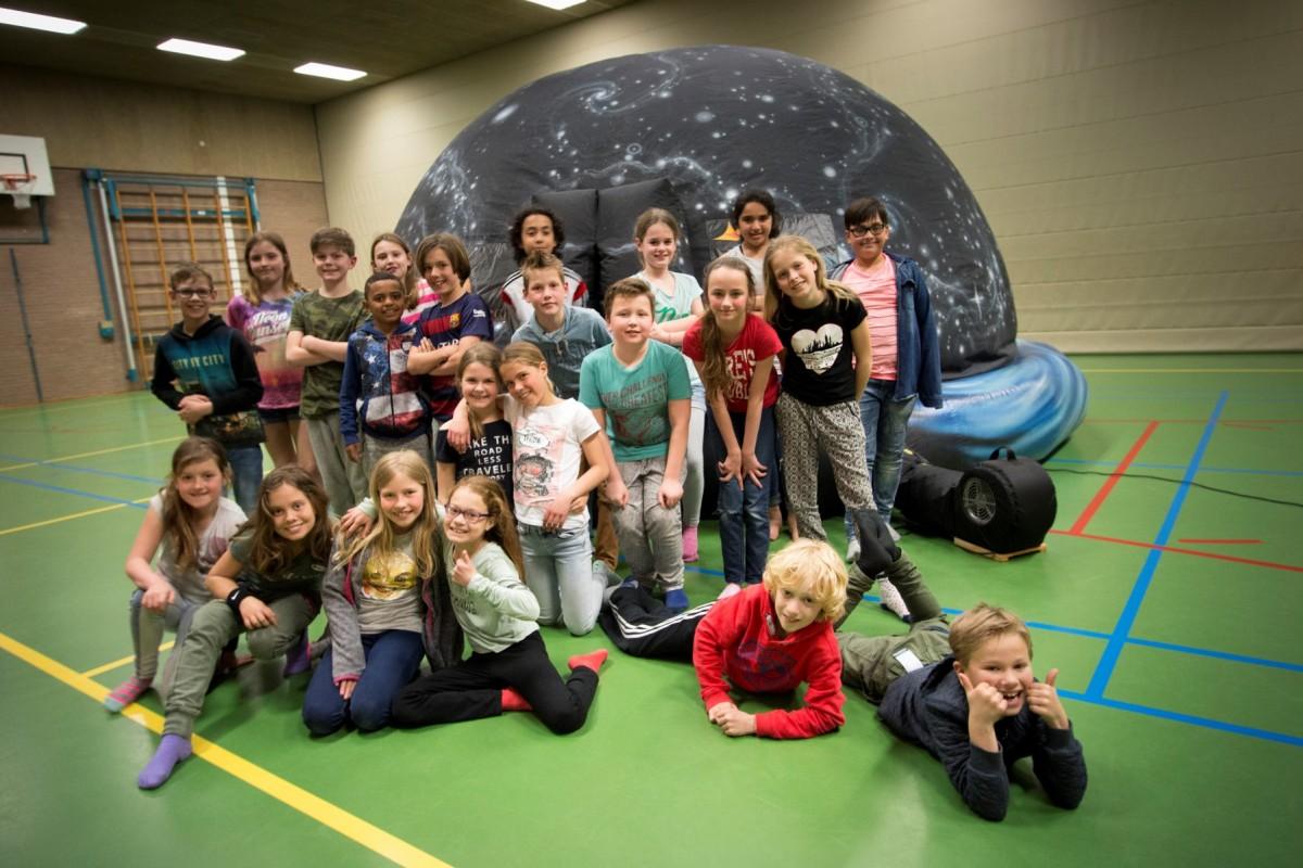 Met de klas het planetarium in op je eigen school