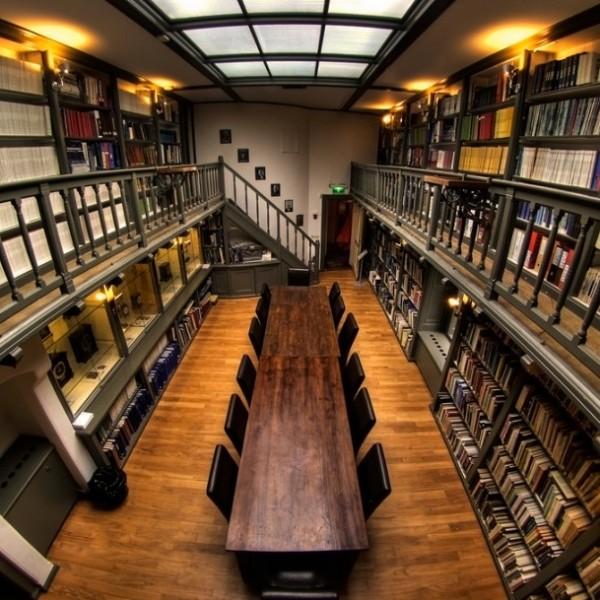 De bibliotheek van Sonnenborgh uit 1909