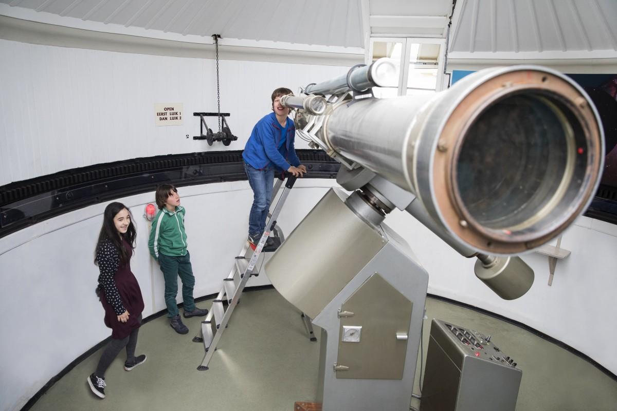 Sterren kijken in de sterrenwacht Sonnenborgh